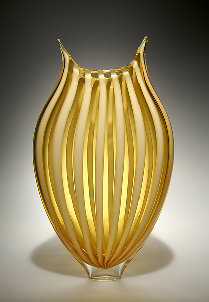 Foglio in Almond - Art Glass Vase - by David Patchen